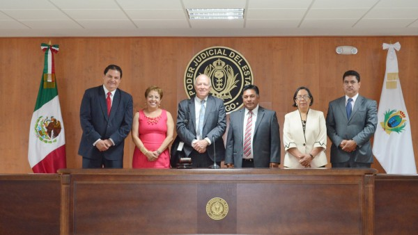 El Juez Robert H. Whaley reconoció  la funcionalidad de las nuevas salas de juicio oral .