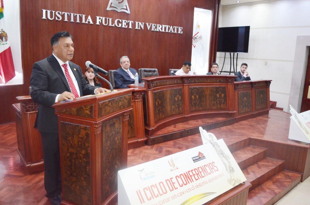 Especialistas internacionales imparten curso en Durango sobre Derecho Procesal