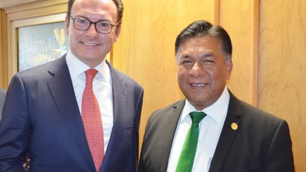 El Secretario de Hacienda, Luis Videgaray con el Presidente del Poder Judicial de Durango, Dr. Apolonio Betancourt.