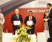 Entrega de reconocimientos a los panelistas de la mesa de agilización de las audiencias en el Nuevo Sistema de Justicia Penal.