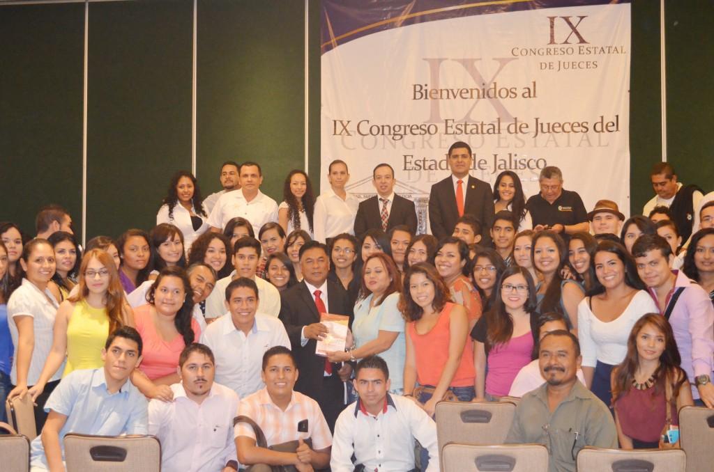 Ante jueces de Jalisco presentan Código Nacional Comentado