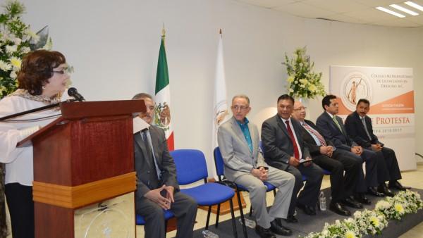 La Lic. Rosario Castro Lozano, reconoció el trabajo y los cambios que ha llevado a cabo el Dr. Apolonio Betancourt Ruíz.