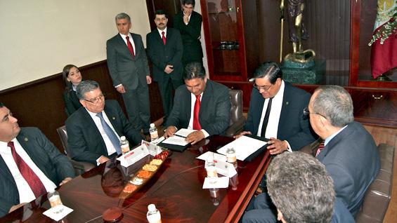 Acuerdan colaboración entre Poder Judicial y el Tribunal Federal Fiscal